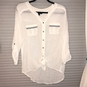 ⭐️Brand New button down shirt!⭐️